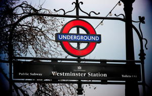 CRE_Digital_Education_Marketing_London_Underground_Sign_2_Westminster_IMG_6338_300_200